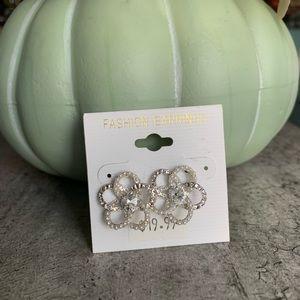 Flower Shaped Fashion Earrings